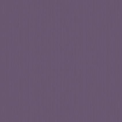 Perfection vliesbehang Shimmer smalle streepdessin in het zilver met een paarse achtergrond