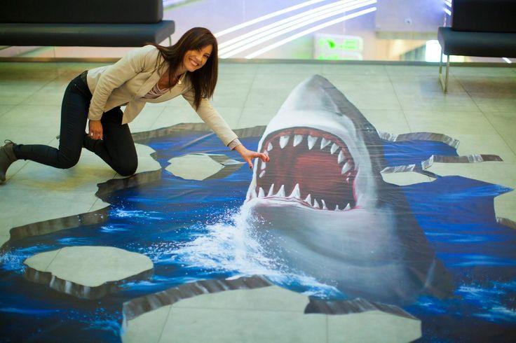 Masz już zdjęcie w paszczy rekina?  Jeśli nie, to przyjdź do Sky Tower i zapoluj z morskim potworem