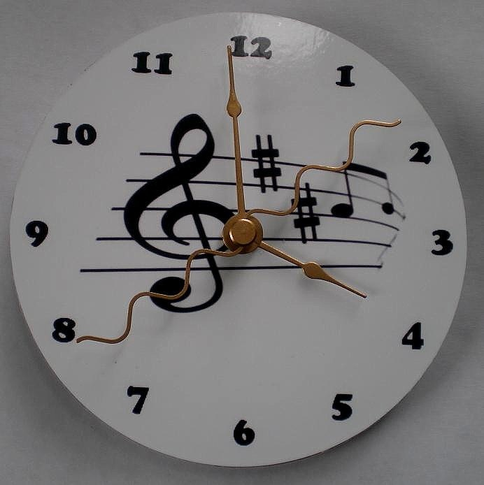 CompactDiscClockBlacku0026WhiteMusicalby 151 best Quilling ClocksWatches images