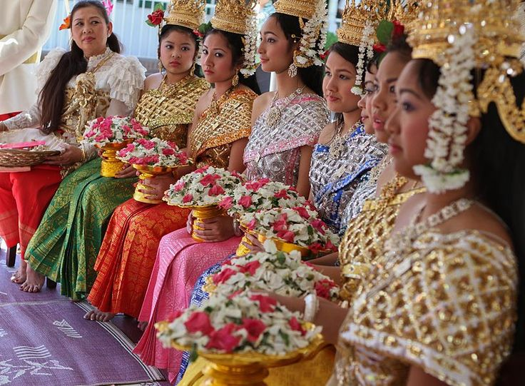 Khmer women dressed up during Cambodian New Year.
