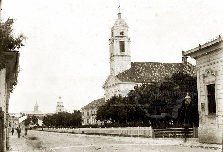 Suceava. Strada Regele Ferdinand. Biserica Romano-Catolică Sfântul Ioan Nepomuk. 1894