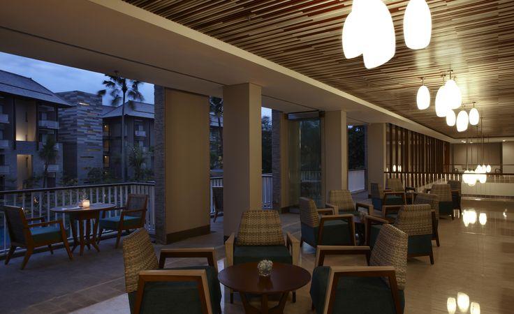 Momo Lobby Lounge
