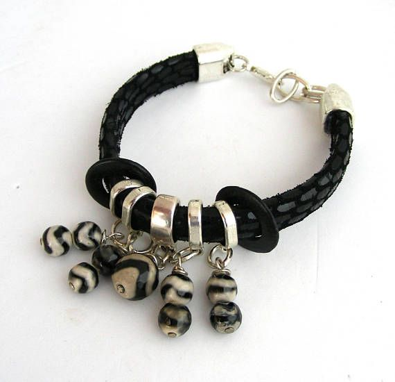 black leather/snake agate pearl woman bracelet Bracelet