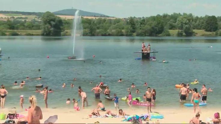 Sonne, Wasser, Luftmatratze: So genießt Deutschland die Rückkehr des Sommers