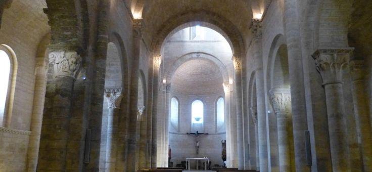 Descubre la iglesia de San Martín de Tours en #Frómista, #Palencia en:  http://destinocastillayleon.es/index/la-iglesia-de-san-martin-de-tours/