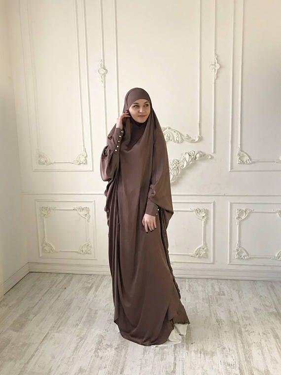Pin Oleh Salah Eddine Di حيجاب Di 2020 Model Pakaian Hijab Gaya Model Pakaian Pakaian Wanita