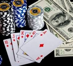 Online card games are gaining massive popularity due to the host of advantages over visiting a casino in the modern era. While the concept of using real money for gambling on card games online is relatively new, people have been gaming online without the perks of gambling for quite a while now.