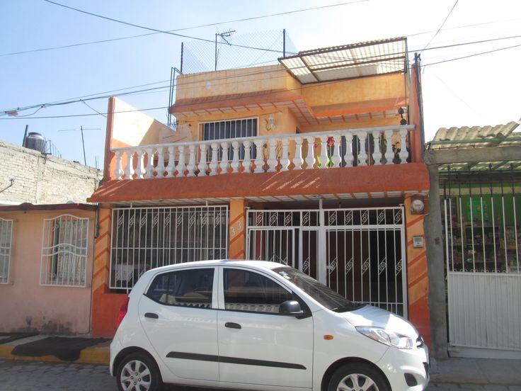 #Vendo #Casa #EdoMex #Coacalco #Zacuautitla $990,000 Tel 58657226 acepto #Credito #INFONAVIT #FOVISSSTE o Bancario. Casa sola 3 Niveles: Planta Baja: Sala, comedor, cocina equipada, baño completo, cajón de estacionamiento. Primer piso: 2 recamaras con closets, baño con jacuzzi, terraza, sala de tv. Segundo Piso: recamara con baño integrado.