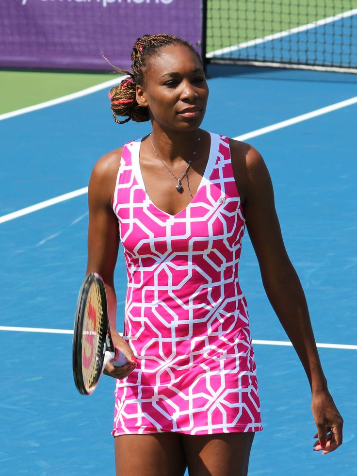 Venus Williams (USA) - b. 17/06/1980 - 1,85m. - Ranked 1st during 11 weeks in 2002 - Won 7 Grand Slams (5 Wimbledon, 2 US Open).