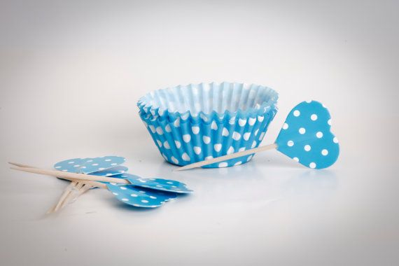 CUPCAKE baking cups paper white/blue dots 24 PCs  by buyititaly, €3.99