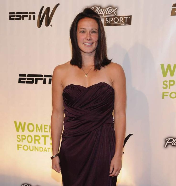 Sarah Huffman, Abby Wambach's Wife: 5 Fast Facts You Need to Know Abby Wambach Wife  #AbbyWambachWife