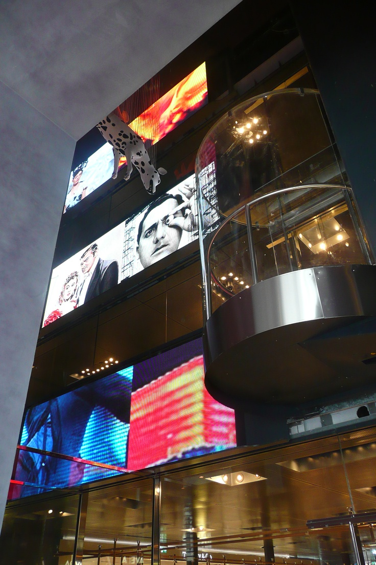 Milano Excelsior Shopping Mall - large LED displays ...