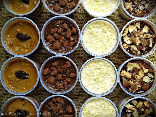 Ingredientes: Massa: Bolo branco leve (aerado) 8 ovos 2 xícaras de açúcar cristal 2 xícaras de chá de leite 1/4 xícara de óleo 3 colheres de sopa de margarina de boa qualidade (ela que deixa a mass...