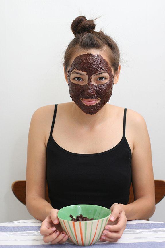 (Edible!) Chocolate Face Mask