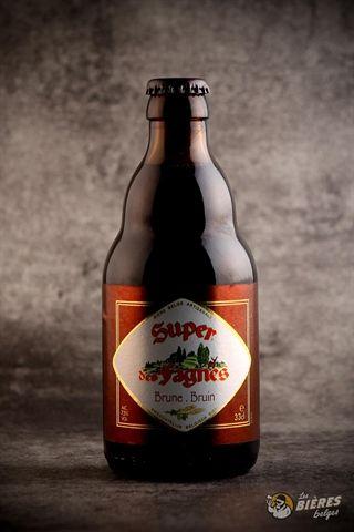 La Super des Fagnes Brune fou séduira par ses arômes de fruits rouges et de malts légèrement caramélisés.