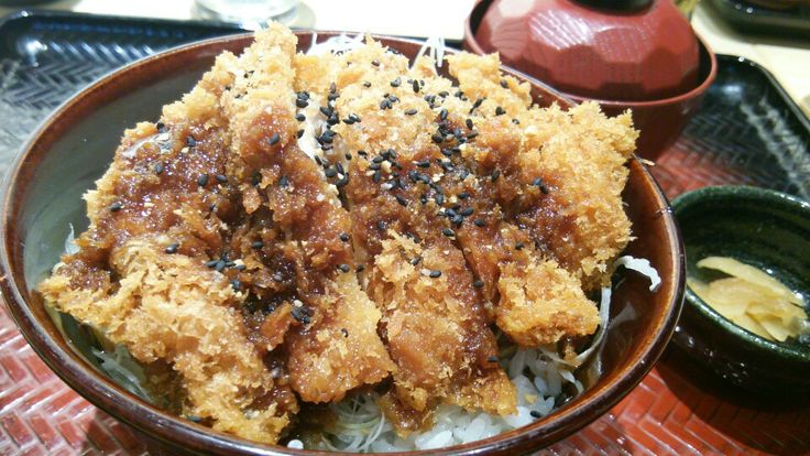 Sauce chicken katsudon at Ootoya in Shinjuku. The thick worster-like sauce gives it a zesty taste. Nicely prepared chicken cutlet.