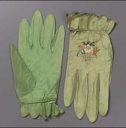 Pair of women's gloves - probably French, late 18th or early 19th century. Silk, taffeta. MFA Boston
