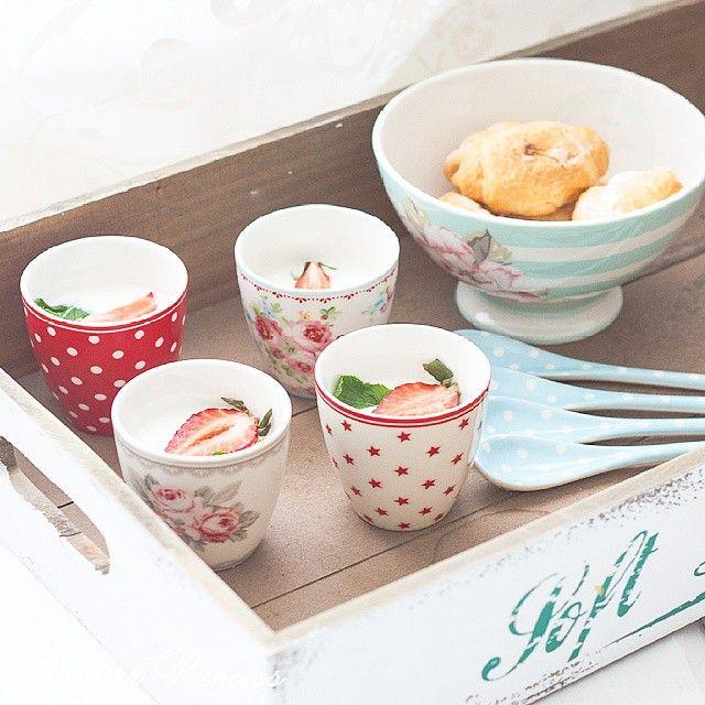 SnapWidget | Доброе утро!! Йогуртовый десерт на завтрак в стаканчиках для эспрессо от #грингейт для всей семьи и вас признают самой лучшей мамой на свете Хорошего дня вам, самые красивые и любящие!