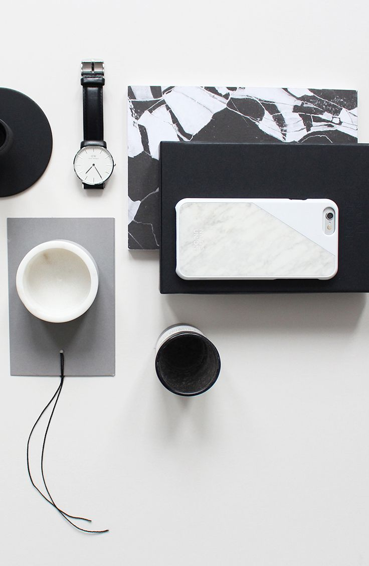 Native Union X Hege In France | CLIC Marble in White