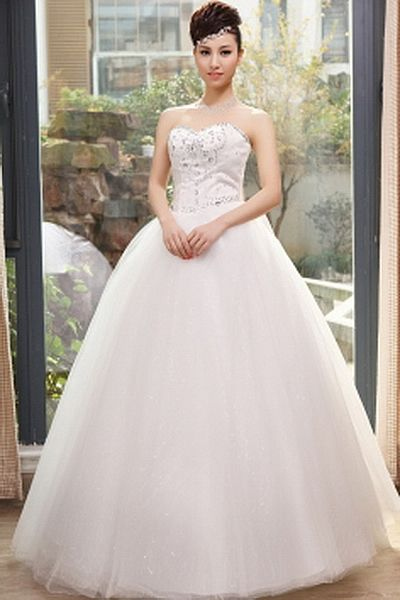 Ball Gown Tulle Luxury Bridal Gown wr0347 - http://www.weddingrobe.co.uk/ball-gown-tulle-luxury-bridal-gown-wr0347.html - NECKLINE: Sweetheart. FABRIC: Tulle. SLEEVE: Sleeveless. COLOR: White. SILHOUETTE: Ball Gown. - 147.59