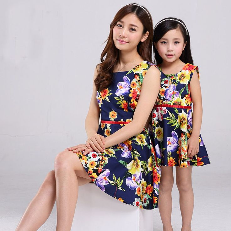 mae e filha girls summer clothes matching mother daughter dress clothes fashion flowers short-sleeved daughter mother outfits - http://www.aliexpress.com/item/mae-e-filha-girls-summer-clothes-matching-mother-daughter-dress-clothes-fashion-flowers-short-sleeved-daughter-mother-outfits/32300222366.html