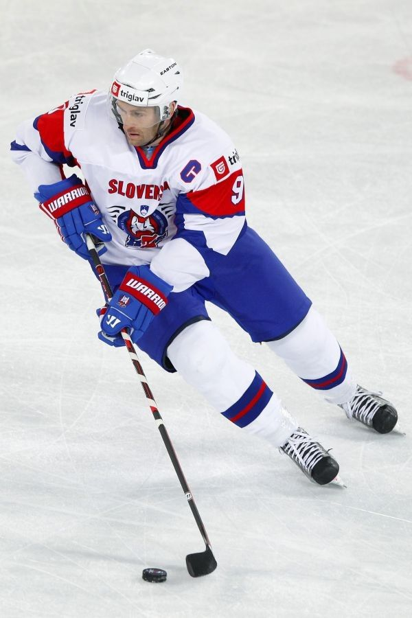 Tomaž Razingar [team captain] (Slovenia - Ice Hockey)