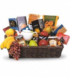 When you want to send your thoughts in a grande way, send this basket filled with fresh fruit, biscuits and tea. Nothing's grander.        $119.95