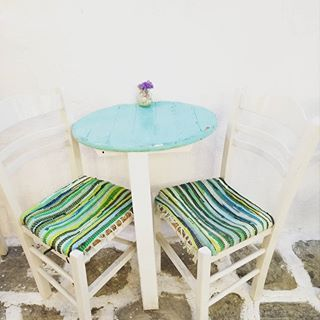 Inspired from island colours💦  .  .  .  #inspiration #island #table #chair #turquoise #colours #greekislands #instagreece #greece #summer #instasummer #aegean #cyclades #nofilter #nofilterneeded #travelgram #travelling #travel #instatravel #travelgirl #girlboss #tb #fashionista #stylish #bloggerlife #travelgreece #traveltheworld #greekblogger #fashionblogger #zkstyle