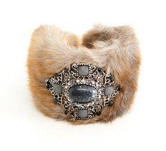 Faux Fur Bracelet... super cute!
