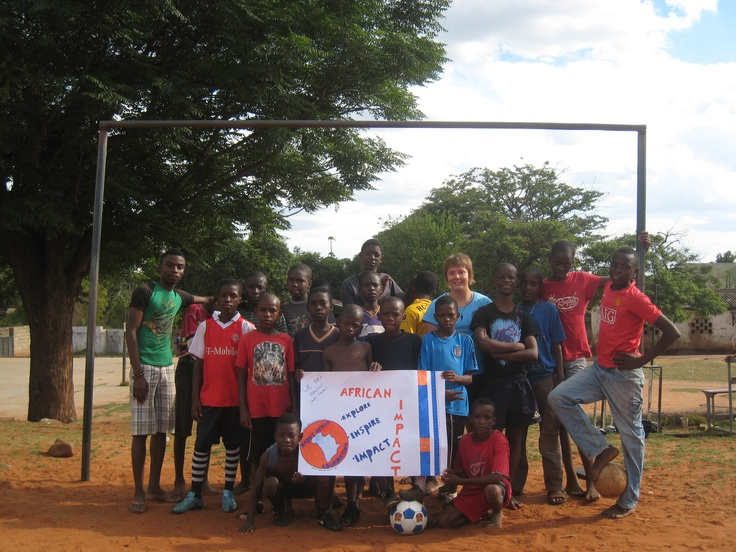 Happy International Volunteer Day to our past, present and future volunteers!! From our Livingstone Community Project