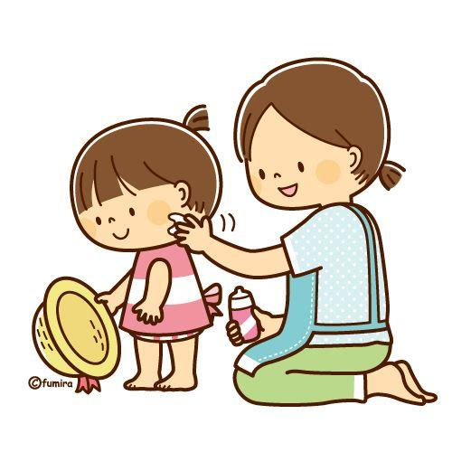 ママに日焼けどめをつけてもらう女の子のイラスト ソフト