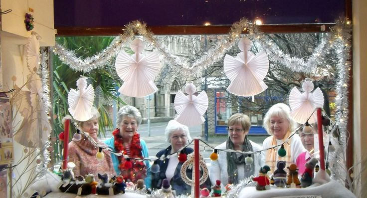 Xmas Charity Window & Knitters Looking in
