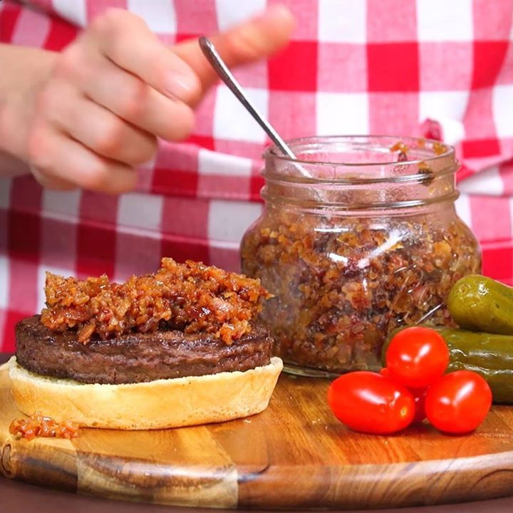You MUST try this Bacon Jam. LIKE Cooking Panda for more delicious recipes.