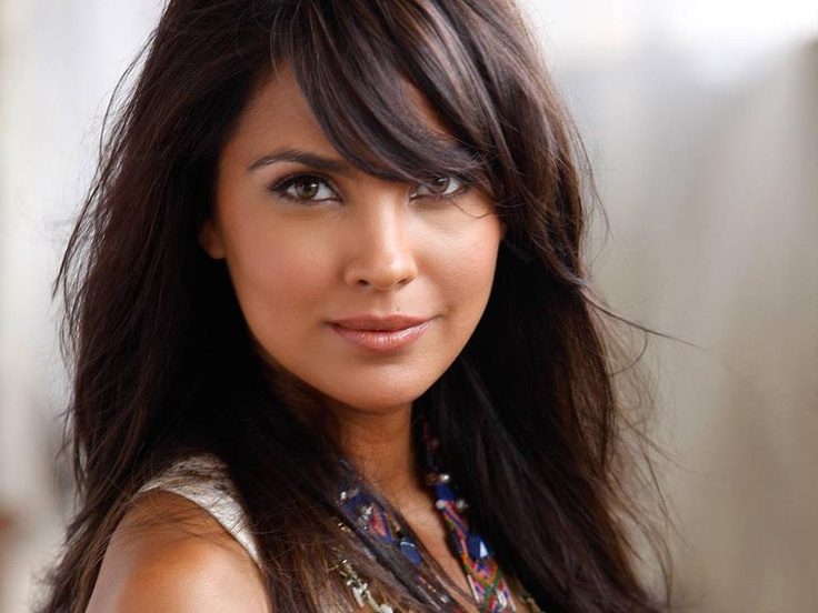 Lara Dutta Bhupathi, is former Miss Universe (2000).  She made her Hindi debut in 2003 with the film Andaaz which was a box office success and won her a Filmfare Best Female Debut Award. Dutta next appeared in a series of successful films such as Masti (2004), No Entry (2005), Kaal (2005), Bhagam Bhag (2006), Partner (2007), Housefull (2010), Chalo Dilli (2011), thus establishing herself as one of the leading contemporary actresses in the Hindi Cinema.