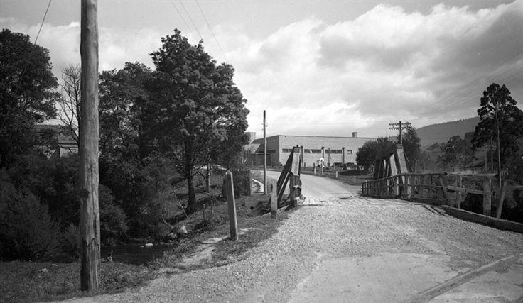 1937 Acheron Way, Signs bridge, Upper Yarra. www.vicroads.vic.gov.au/centenary
