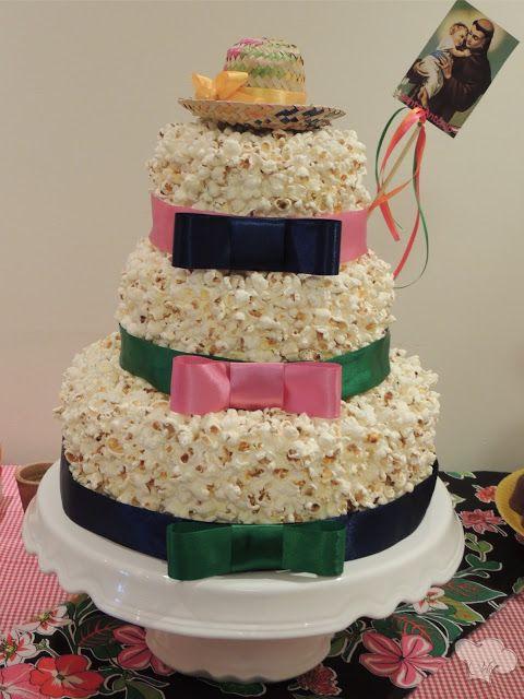 bolo pipoca....legal pra decorar festa junina :)