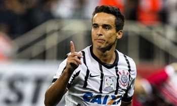 Jadson assina contrato e é oficializado no Corinthians