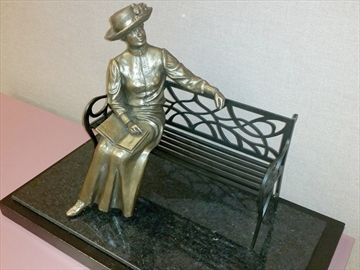 Lucy Maud Montgomery in Bronze statue to be unveiled in Leaskdale