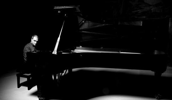 Música / Jazz - 18/05: Enrico Pieranunzi en el Alfredo Kraus  El Rincón del Jazz traerá el próximo 18 de mayo, a las 21,00 horas, al pianista Enrico Pieranunzi, que ofrecerá un concierto de piano solo en el Auditorio Alfredo Kraus de la capital grancanaria.