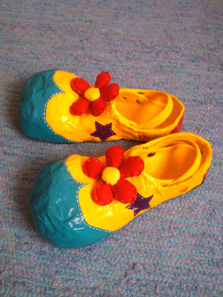 2 - Clown shoes - Papel Maché - Teresa Roque