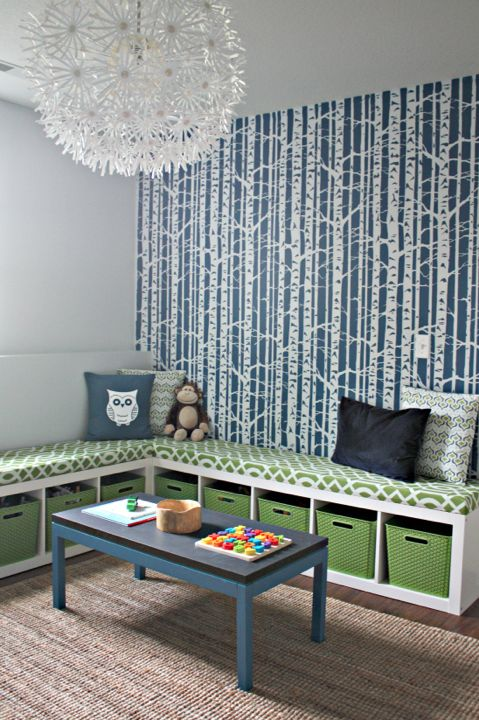 Fan DIY EXPEDIT storage bench on IHeart Organizing: Playroom Idea