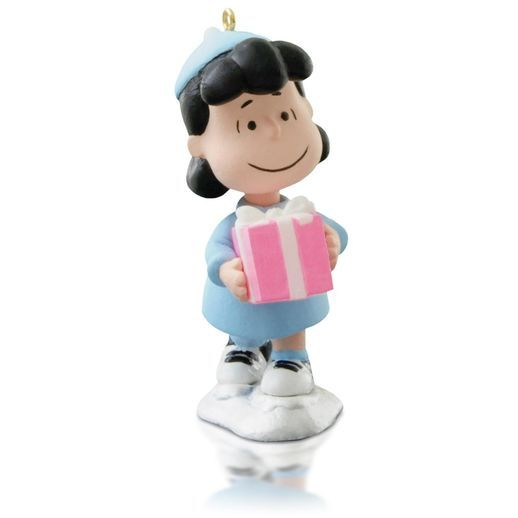 33 best Snoopy images on Pinterest  Christmas ornaments