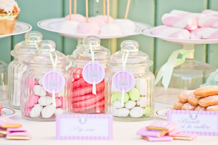 Printable et bonbonnières thème marie-Antoinette, bonbons roses.