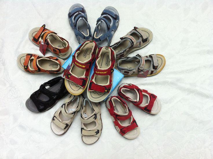 Süße Kinder Sandalen Freizeit Schuhe Sneaker mit Klettverschluss Gr 30- 36 NEU