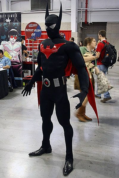 Batman Beyond cosplay.  Well done!  #cosplay