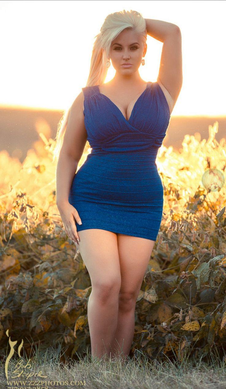 Outdoor nudist pageants