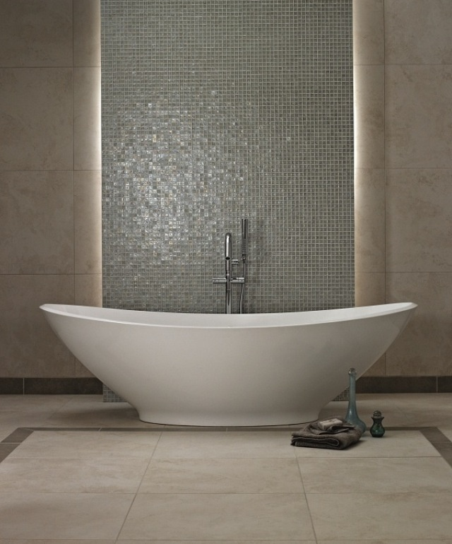 Double ended freestanding baths are great for creating a dramatic centrepiece.