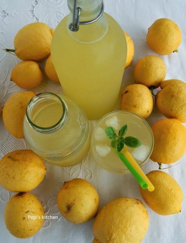 Λεμονάδα από λεμόνι…         Η λεμονάδα αυτή είναι μία από τις αναμνήσεις των παιδικών μου χρόνων. Και πιστεύω πως αν την δο...