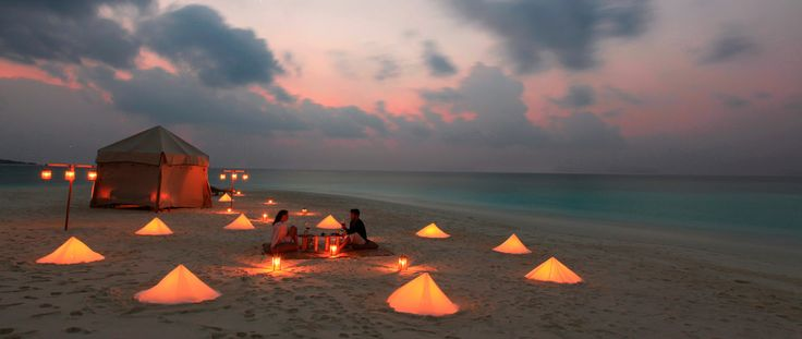 Soneva Fushi - Private Dinner Picnic at Sand Bank #voyagewave #themaldives ---> www.voyagewave.com
