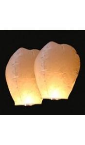 Lampe à v?ux, lanterne volante (3 couleurs) aussi sur http://www.lanternes-thai.com/lanternes-celestes/lanternes-thailandaises.html